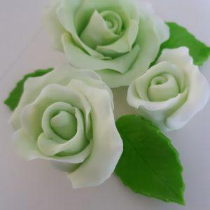 Sokerimassa ruusut